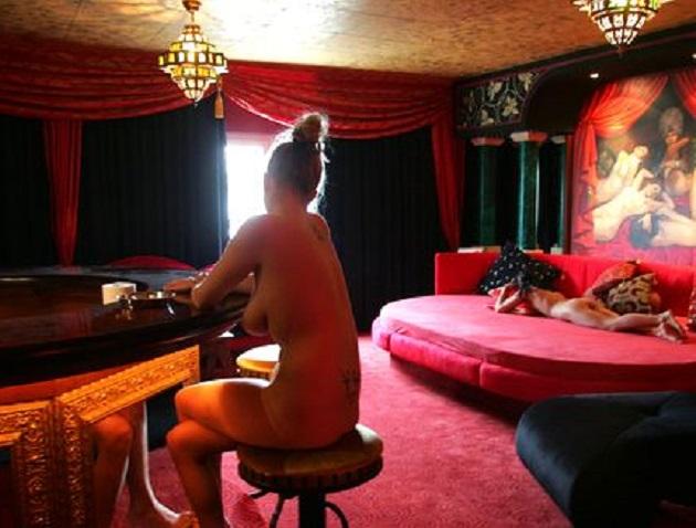 The sm studio berlin - 1 part 5